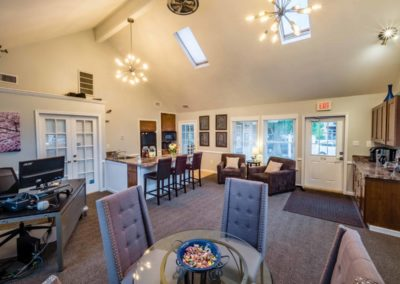 Furnished resident clubhouse at Brookfield apartments in Macungie, PA